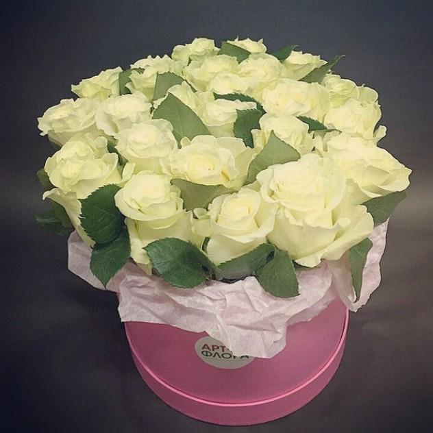 15 роз в шляпной коробке.